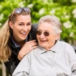 Nebenjob Seniorenbetreuer – Helfer mit Herz gesucht