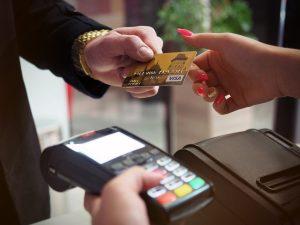 Mehrere Kreditkarten in Geldbörse