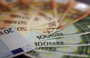 Euro Geldscheine gefächert